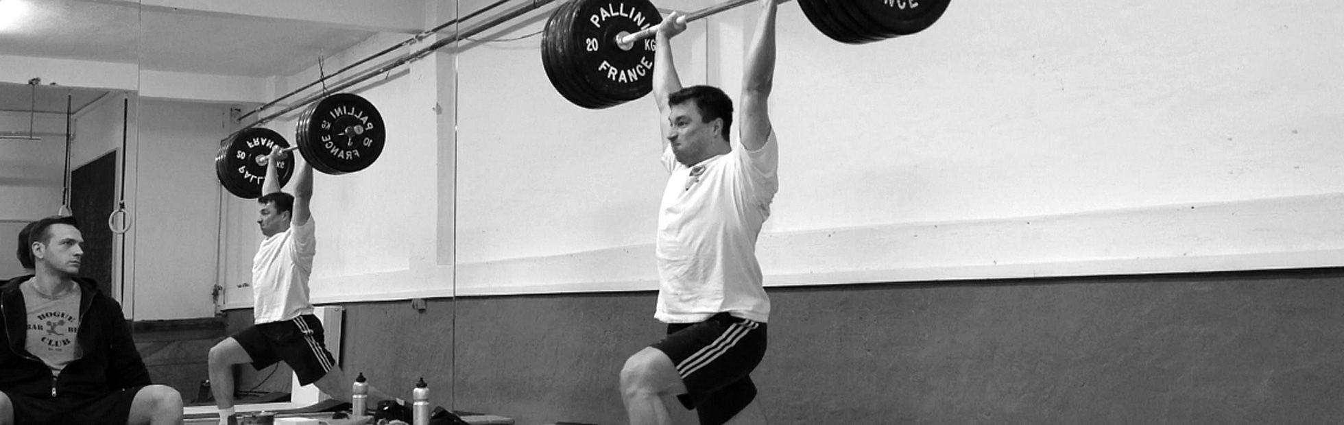 130 kg Jerk beim Gewichtheben in der Scoop in Hamburg